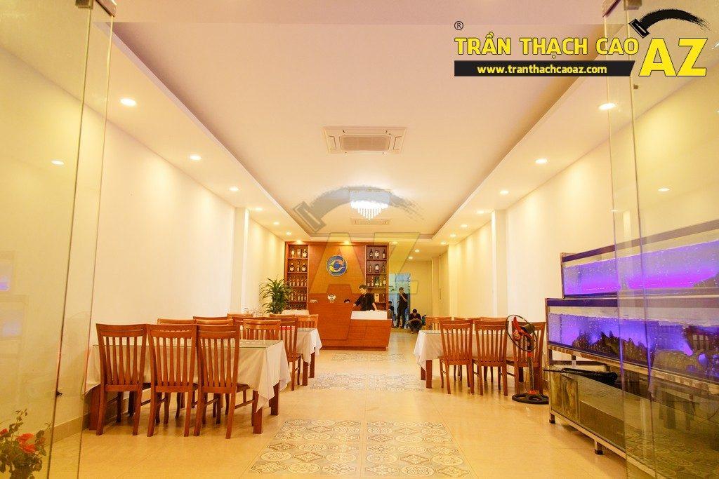 Thiết kế trần thạch cao đẹp sang trọng của nhà hàng Cá Minh Quân - 10