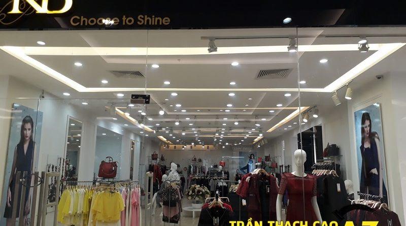 Ngắm thiết kế trần thạch cao đẹp thanh lịch của shop thời trang KB Fashion Royalcity