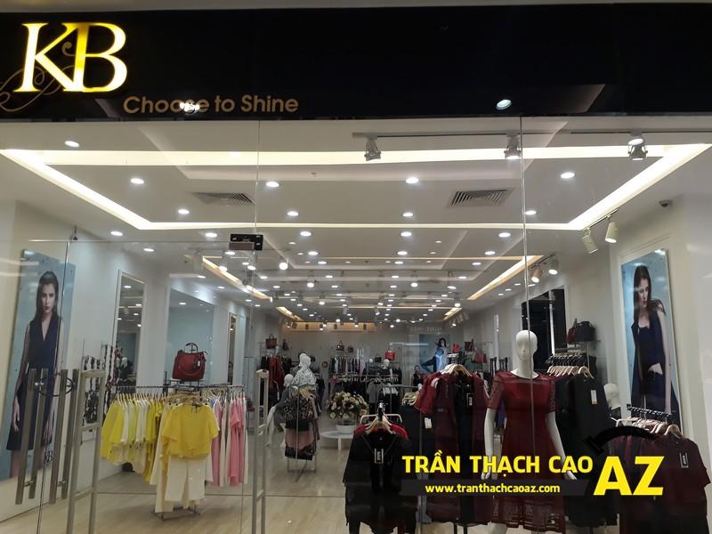 Ngắm thiết kế trần thạch cao đẹp thanh lịch của shop thời trang KB Fashion Royalcity 03
