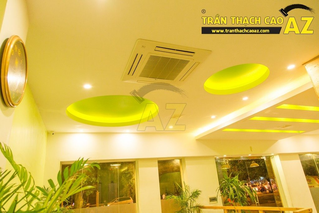 Trần thạch cao đẹp xuất sắc với cách phối màu hoàn hảo của nhà hàng Thắm Hùng - 04