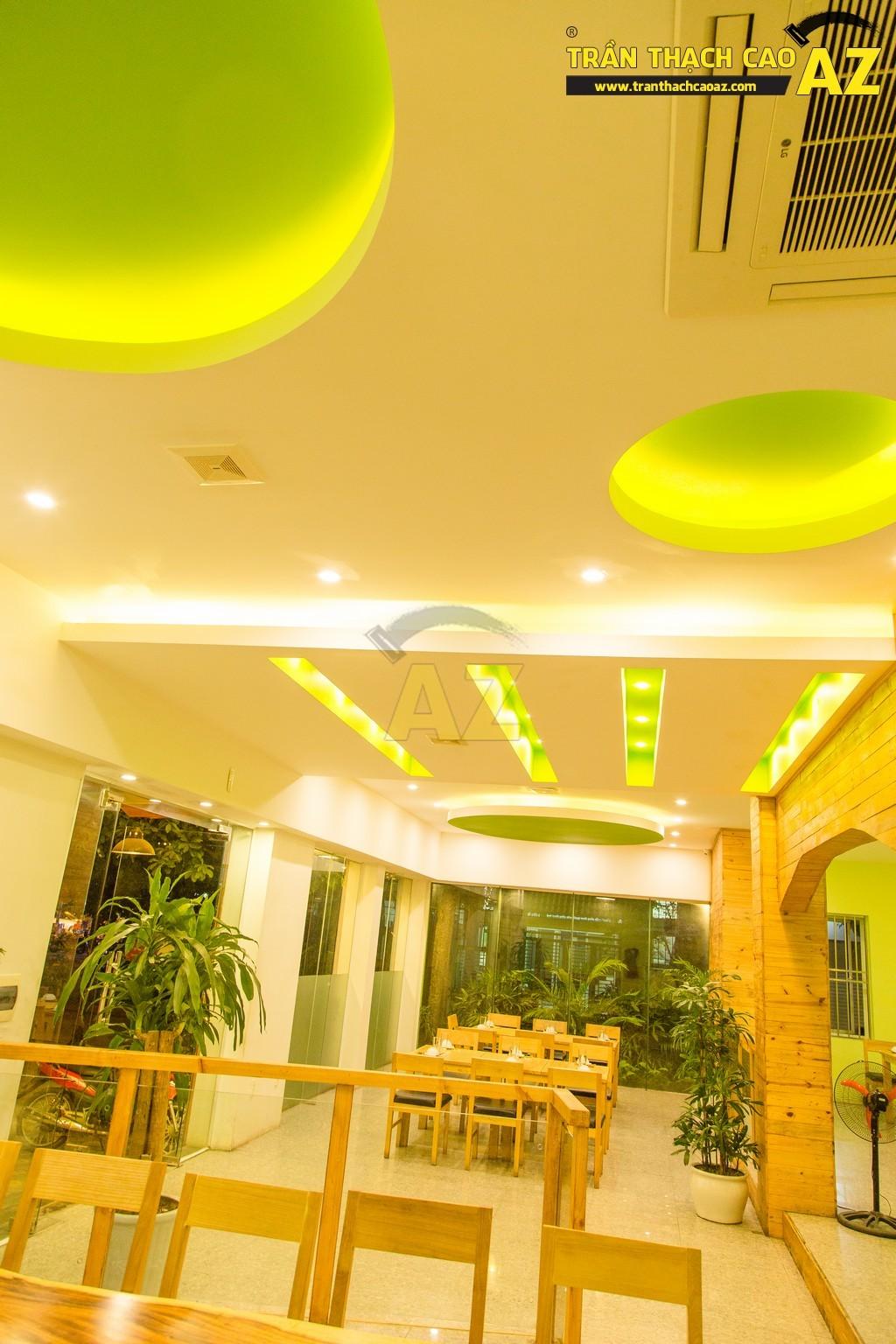 Trần thạch cao đẹp xuất sắc với cách phối màu hoàn hảo của nhà hàng Thắm Hùng - 05