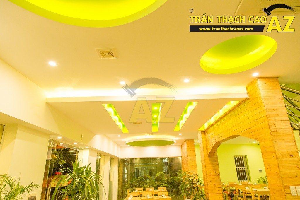 Trần thạch cao đẹp xuất sắc với cách phối màu hoàn hảo của nhà hàng Thắm Hùng - 06
