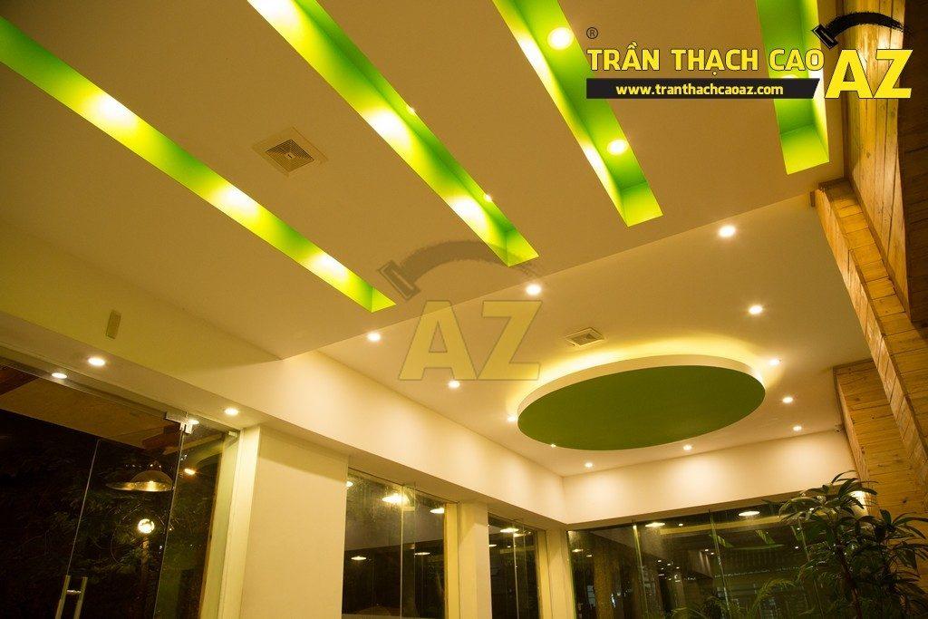Trần thạch cao đẹp xuất sắc với cách phối màu hoàn hảo của nhà hàng Thắm Hùng - 08