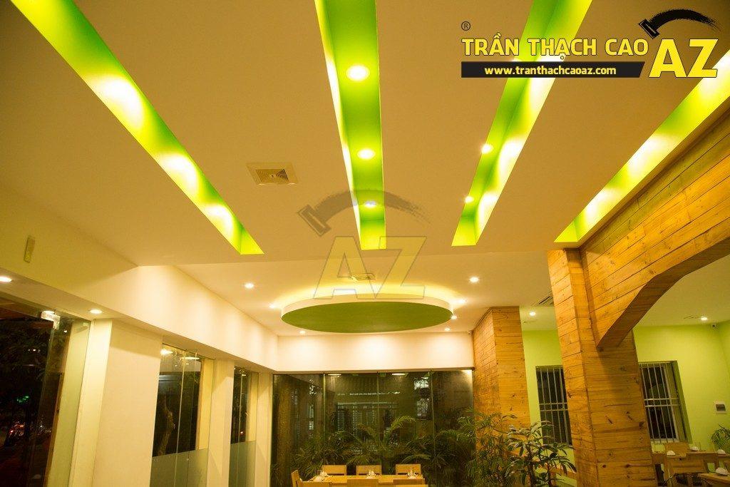 Trần thạch cao đẹp xuất sắc với cách phối màu hoàn hảo của nhà hàng Thắm Hùng - 11