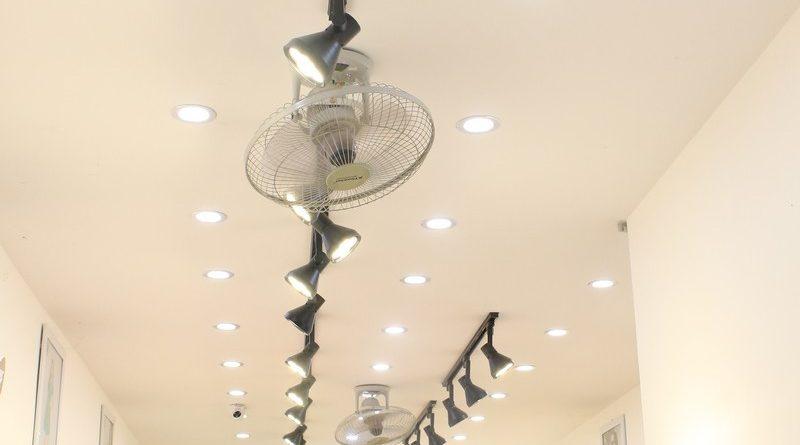 Mê mẩn thiết kế trần thạch cao shop nhỏ đẹp sang chảnh của Kenva, số 223 Chùa Bộc