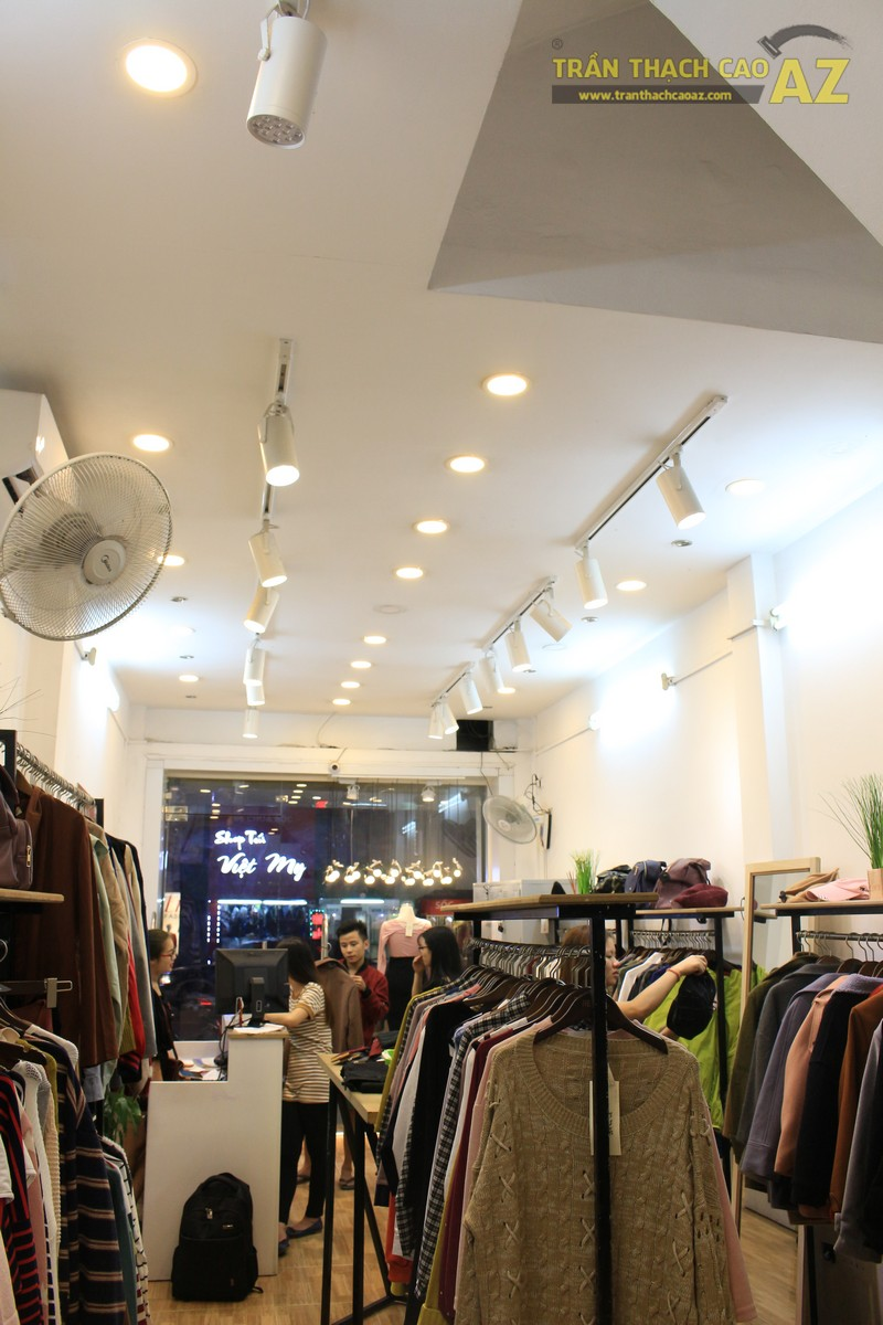 Trần thạch cao cho cửa hàng thời trang RED shop