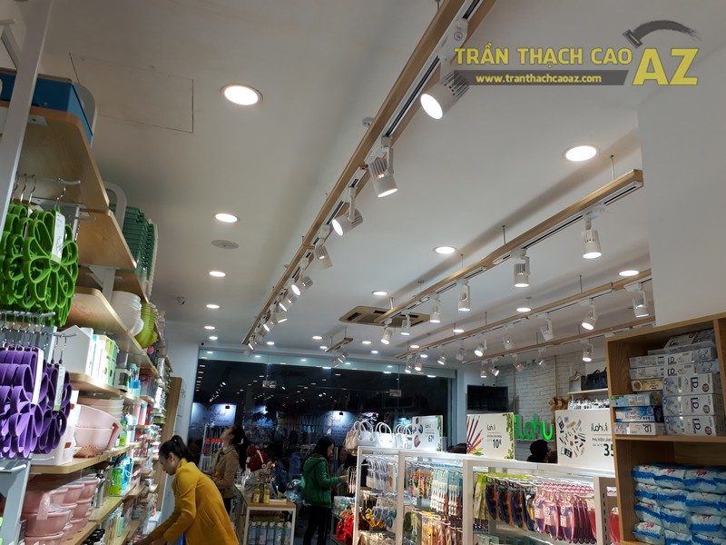 Trần thạch cao cho cửa hàng tiện ích Ilahui, 19 Chùa Bộc, Đống Đa, Hà Nội