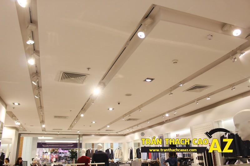 Trần thạch cao cửa hàng thời trang G2000 trung tâm thương mại Royal City