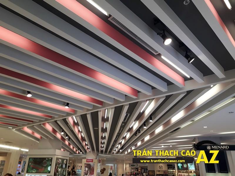 Thiết kế trần thạch cao đẹp hiện đại khu vực đồ mỹ phẩm tại Royal City - 02