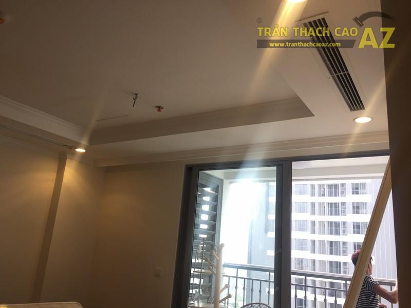Thiết kế trần thạch cao đơn giản, đẹp hiện đại nhà cô Mai, P.0812B, Park Hill - 02