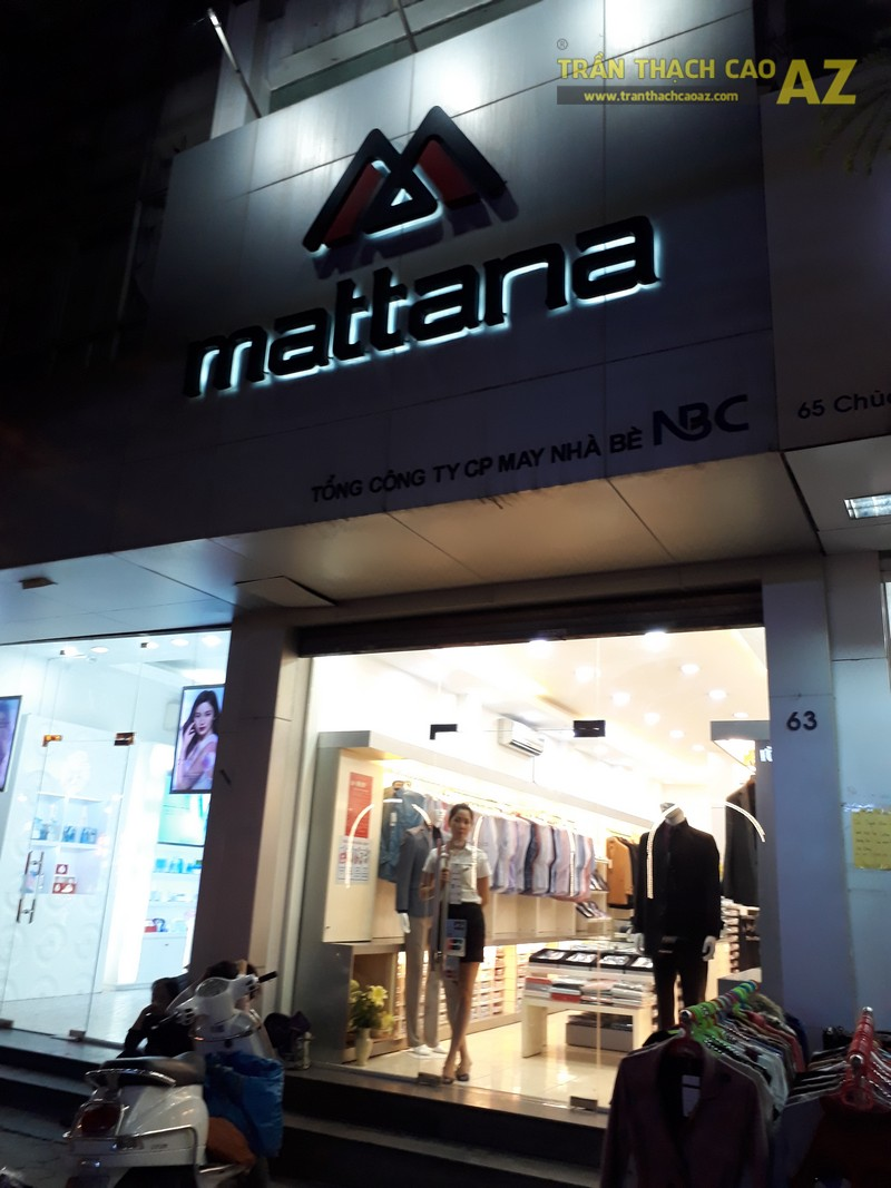 Tạo hình trần thạch cao giật cấp đẹp hiện đại, lịch thiệp của shop Mattana, số 63 Chùa Bộc - 05
