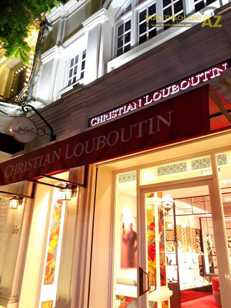 Trần thạch cao cực sang chảnh, đẳng cấp của shop Christian Louboutin, Tràng Tiền - 06
