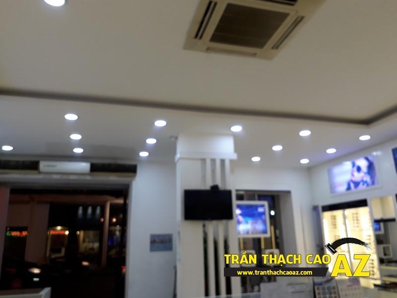 Trần thạch cao showroom đơn giản mà đẹp của kính mắt Tràng Tiền Optic, số 48 - 04
