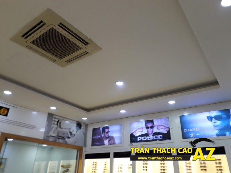 Trần thạch cao showroom đơn giản mà đẹp của kính mắt Tràng Tiền Optic, số 48 - 03