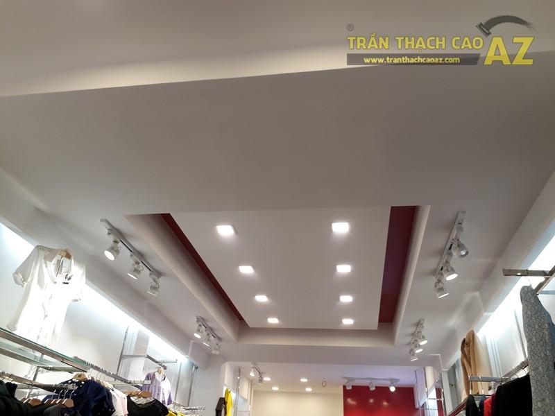 UNI Korean Fashion hiện đại, quyến rũ với tạo hình trần thạch cao shop đẹp - 01