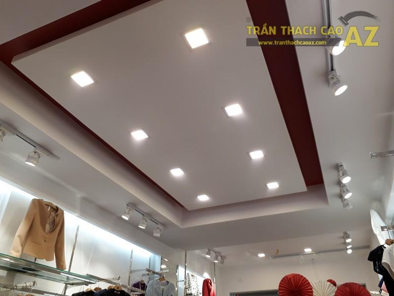 UNI Korean Fashion hiện đại, quyến rũ với tạo hình trần thạch cao shop đẹp - 02