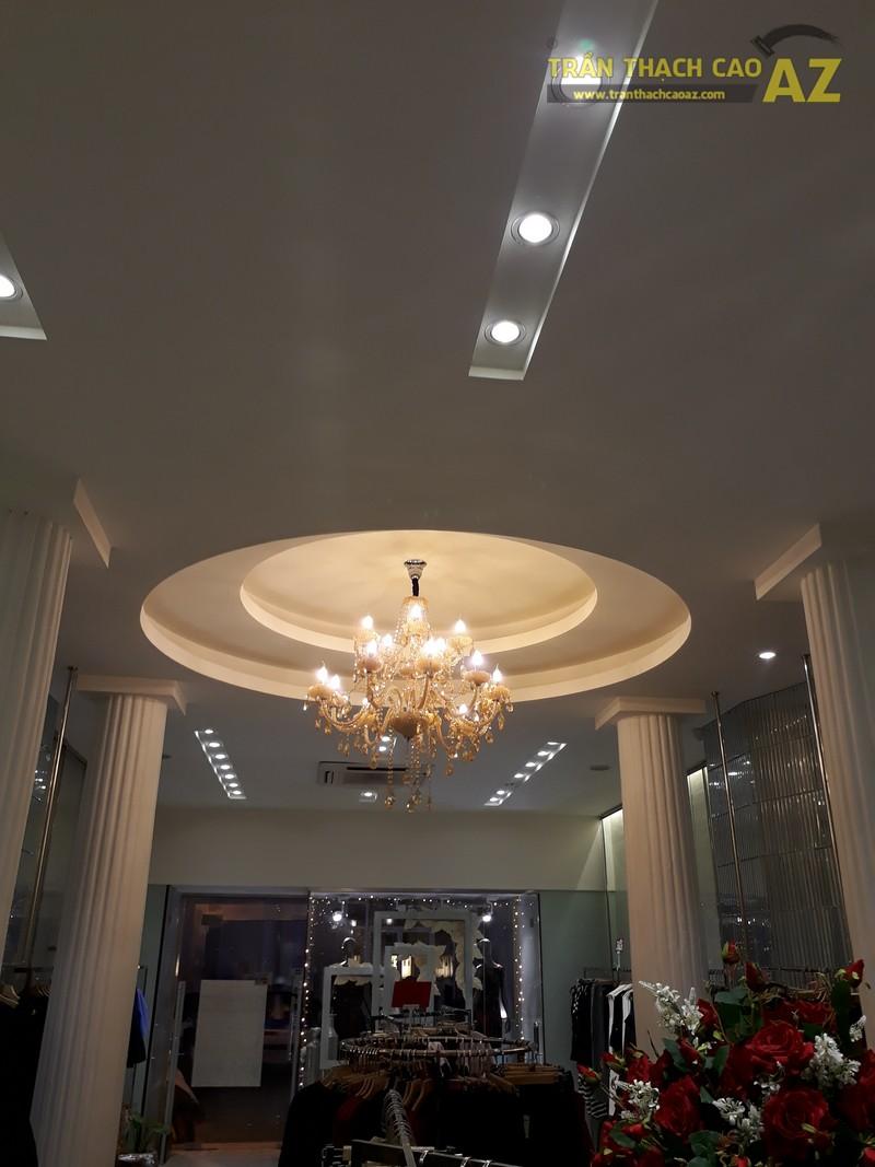 Vẻ đẹp quyến rũ cực đẳng cấp của thiết kế trần thạch cao shop S.PEARL, tại Tràng Tiền - 03