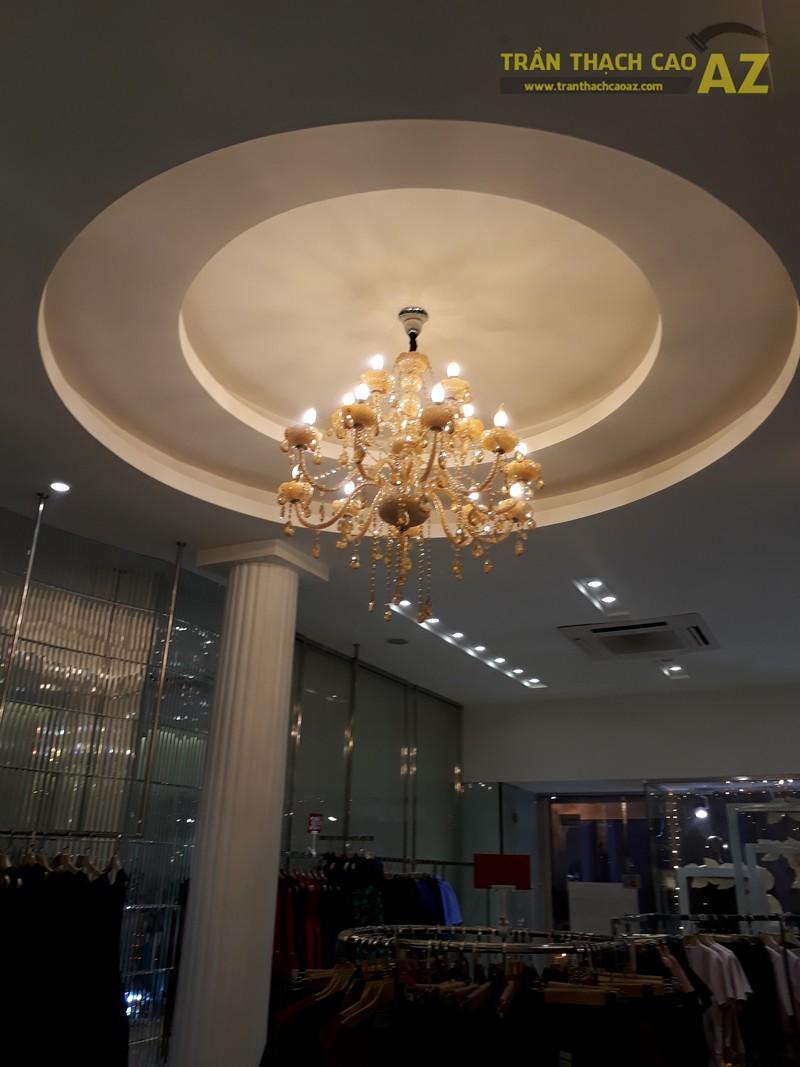Vẻ đẹp quyến rũ cực đẳng cấp của thiết kế trần thạch cao shop S.PEARL, tại Tràng Tiền - 02
