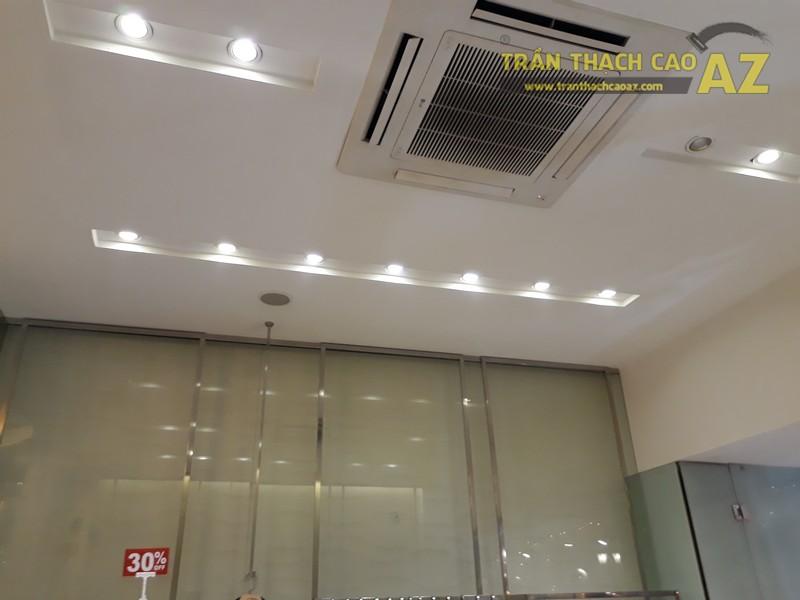 Vẻ đẹp quyến rũ cực đẳng cấp của thiết kế trần thạch cao shop S.PEARL, tại Tràng Tiền - 05