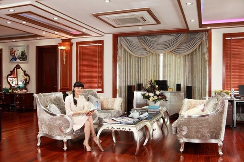 """""""Vén màn sự thật"""" về ngôi nhà ngốn núi tiền của ca sĩ Trang Nhung"""
