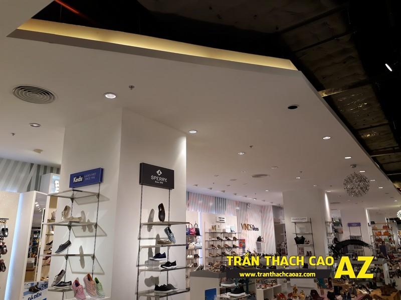 VINDS Shoes cực thu hút nhờ tạo hình trần thạch cao shop độc đáo tại Royal City 03