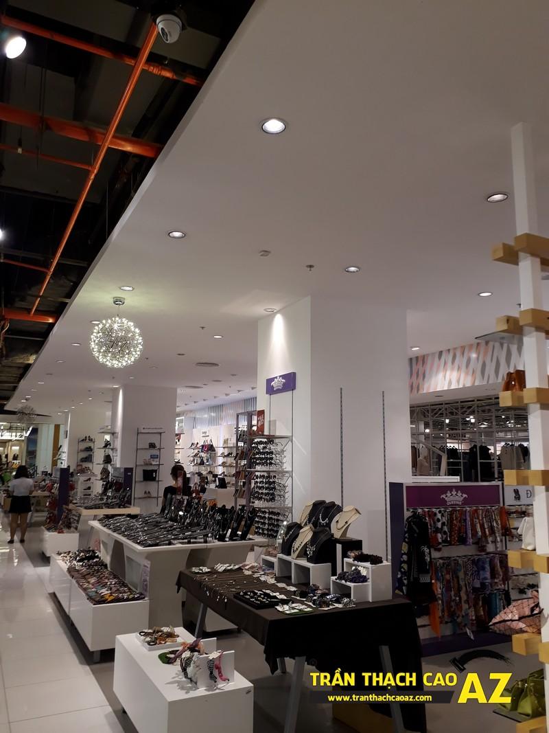 VINDS Shoes cực thu hút nhờ tạo hình trần thạch cao shop độc đáo tại Royal City 02
