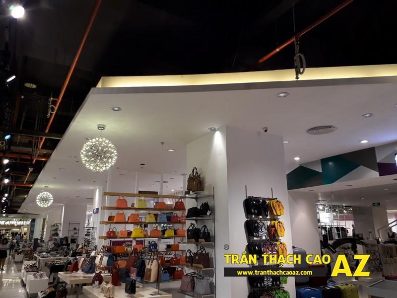 VINDS Shoes cực thu hút nhờ tạo hình trần thạch cao shop độc đáo tại Royal City 01