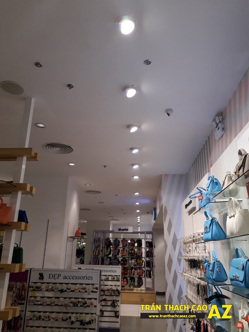 VINDS Shoes cực thu hút nhờ tạo hình trần thạch cao shop độc đáo tại Royal City 04