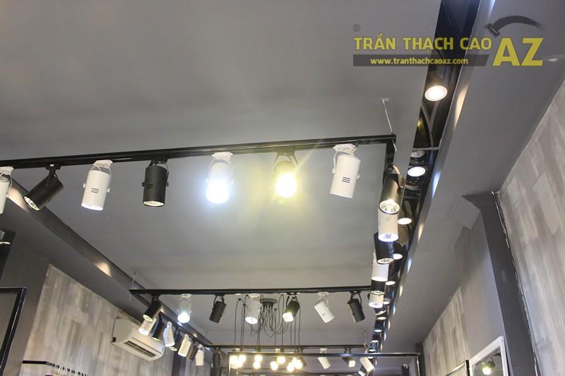 Bố trí đèn led trần thạch cao shop đẹp bắt mắt như 360 Boutique, 242 Thái Hà - 01