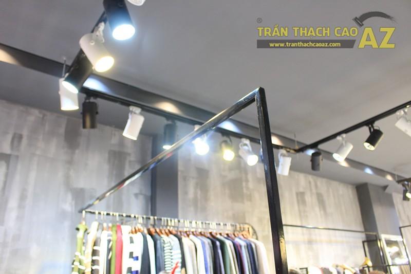 Bố trí đèn led trần thạch cao shop đẹp bắt mắt như 360 Boutique, 242 Thái Hà - 02