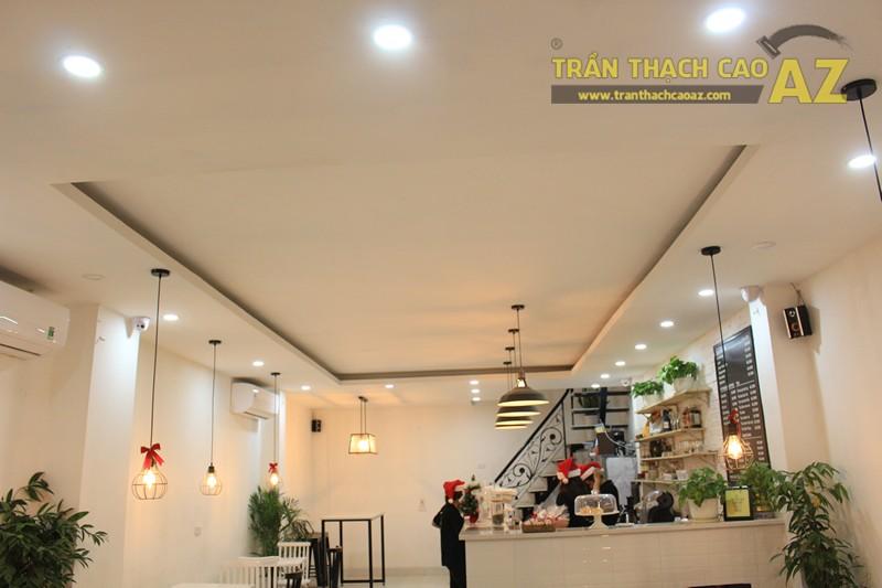 Đơn giản, nhẹ nhàng như mẫu trần thạch cao quán cafe đẹp hiện đại của CREMA, 370 Thái Hà - 01