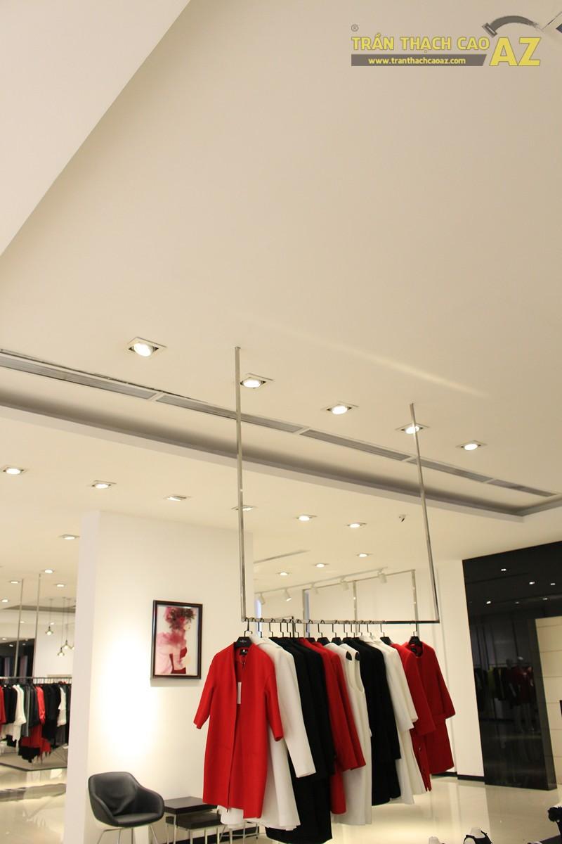 Eva De Eva Thái Hà bừng sáng với mẫu trần thạch cao shop đơn giản, hiện đại, nhẹ nhàng - 06