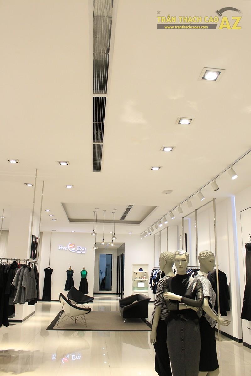 Eva De Eva Thái Hà bừng sáng với mẫu trần thạch cao shop đơn giản, hiện đại, nhẹ nhàng - 04