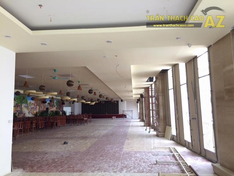 Hoàn thiện thi công trần thạch cao nhà hàng Tạ Hiền, số 1 Phan Văn Trường - 03