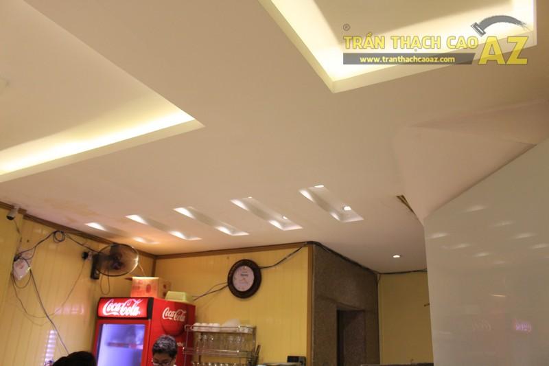 Không gian Thai Deli ấm cúng, sang trọng nhờ mẫu trần thạch cao đẹp đẳng cấp - 04