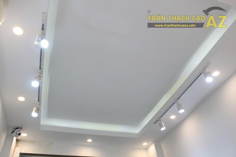 Không gian shop nhỏ đẹp bắt mắt với thiết kế trần thạch cao hiện đại của MoonStone - 05
