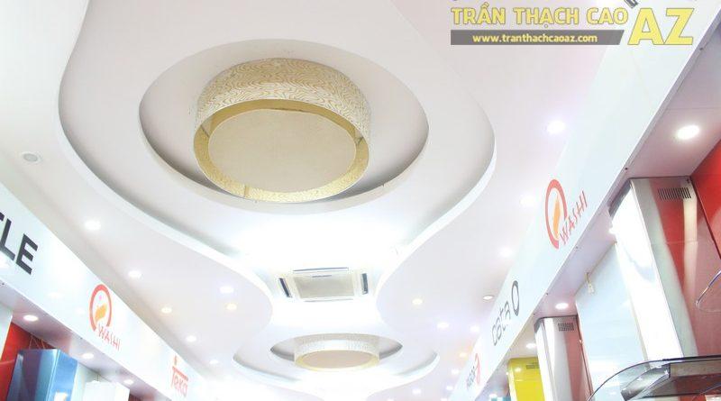 Sử dụng hình khối ấn tượng, độc đáo như trần thạch cao showroom Bếp Hữu Thắng