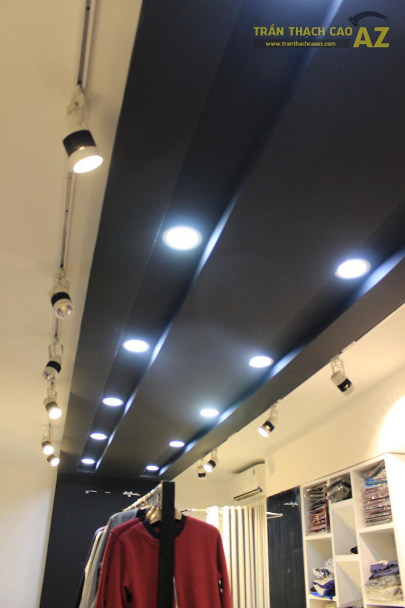 Sử dụng màu đối lập đẹp hiện đại như trần thạch cao shop THUNDER, 324 Thái Hà - 02