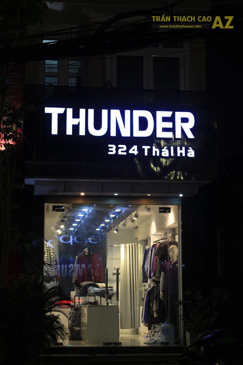 Sử dụng màu đối lập đẹp hiện đại như trần thạch cao shop THUNDER, 324 Thái Hà - 06
