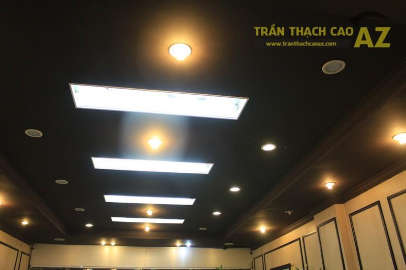Thiết kế trần thạch cao màu đen đẹp độc đáo như cửa hàng Thanh Hương, số 368 Xã Đàn - 04