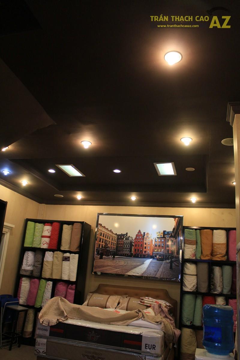 Thiết kế trần thạch cao màu đen đẹp độc đáo như cửa hàng Thanh Hương, số 368 Xã Đàn - 05