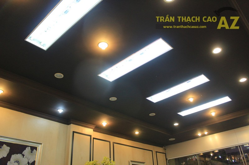 Thiết kế trần thạch cao màu đen đẹp độc đáo như cửa hàng Thanh Hương, số 368 Xã Đàn - 03