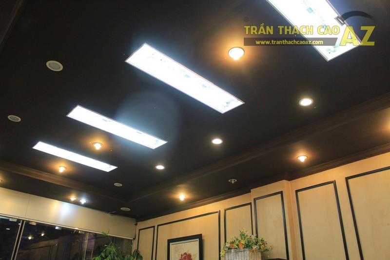 Thiết kế trần thạch cao màu đen đẹp độc đáo như cửa hàng Thanh Hương, số 368 Xã Đàn - 02