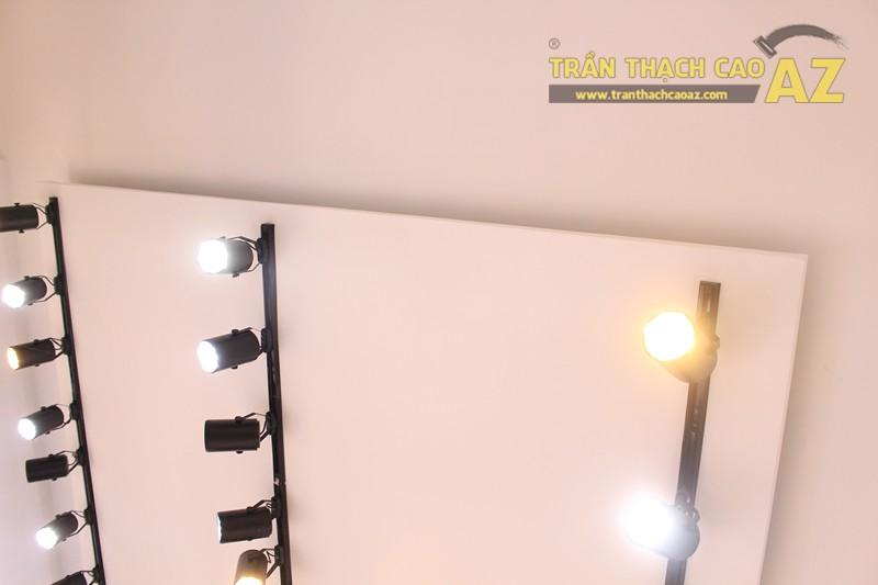 Tạo hình trần thạch cao shop nhỏ đẹp đơn giản, hiện đại của Độc, 226 Thái Hà - 02