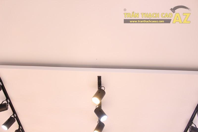 Tạo hình trần thạch cao shop nhỏ đẹp đơn giản, hiện đại của Độc, 226 Thái Hà - 03