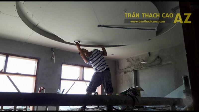 Thi công trần thạch cao giật cấp cho phòng khách của nhà anh Long, số 25 Lê Trọng Tấn - 01
