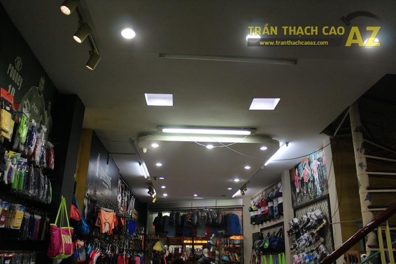 Thiết kế trần thạch cao đẹp của shop Minh Phương Sport, số 302 Lê Trọng Tấn - 03