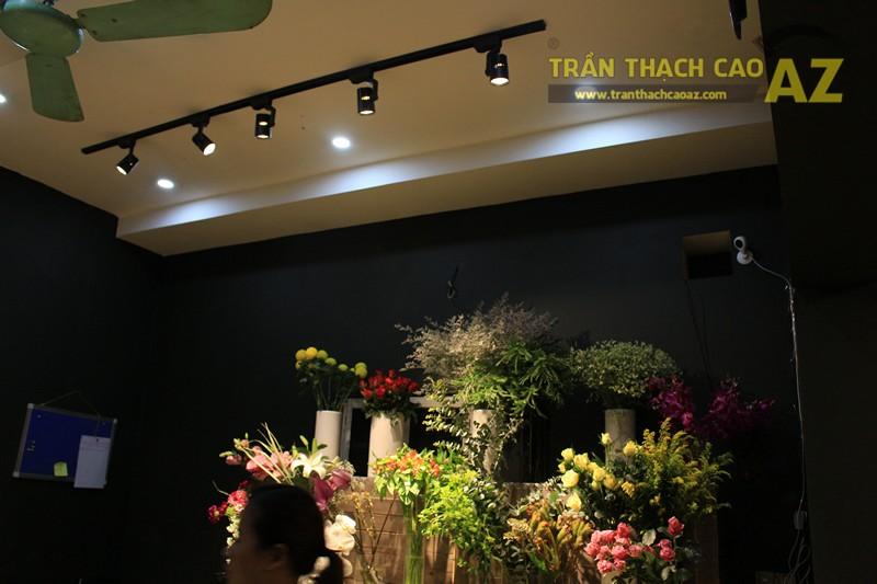 Thiết kế trần thạch cao đơn giản của cửa hàng hoa 1989 FLORIST, 163 Thái Hà - 04