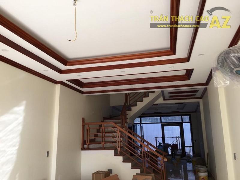Thiết kế trần thạch cao phòng khách nhà ống đẹp hiện đại nhà chú Nam - 02