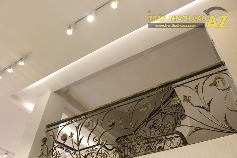 Thời trang H&H sang trọng với trần thạch cao hiện đại kết hợp cổ điển đẹp hút hồn - 01